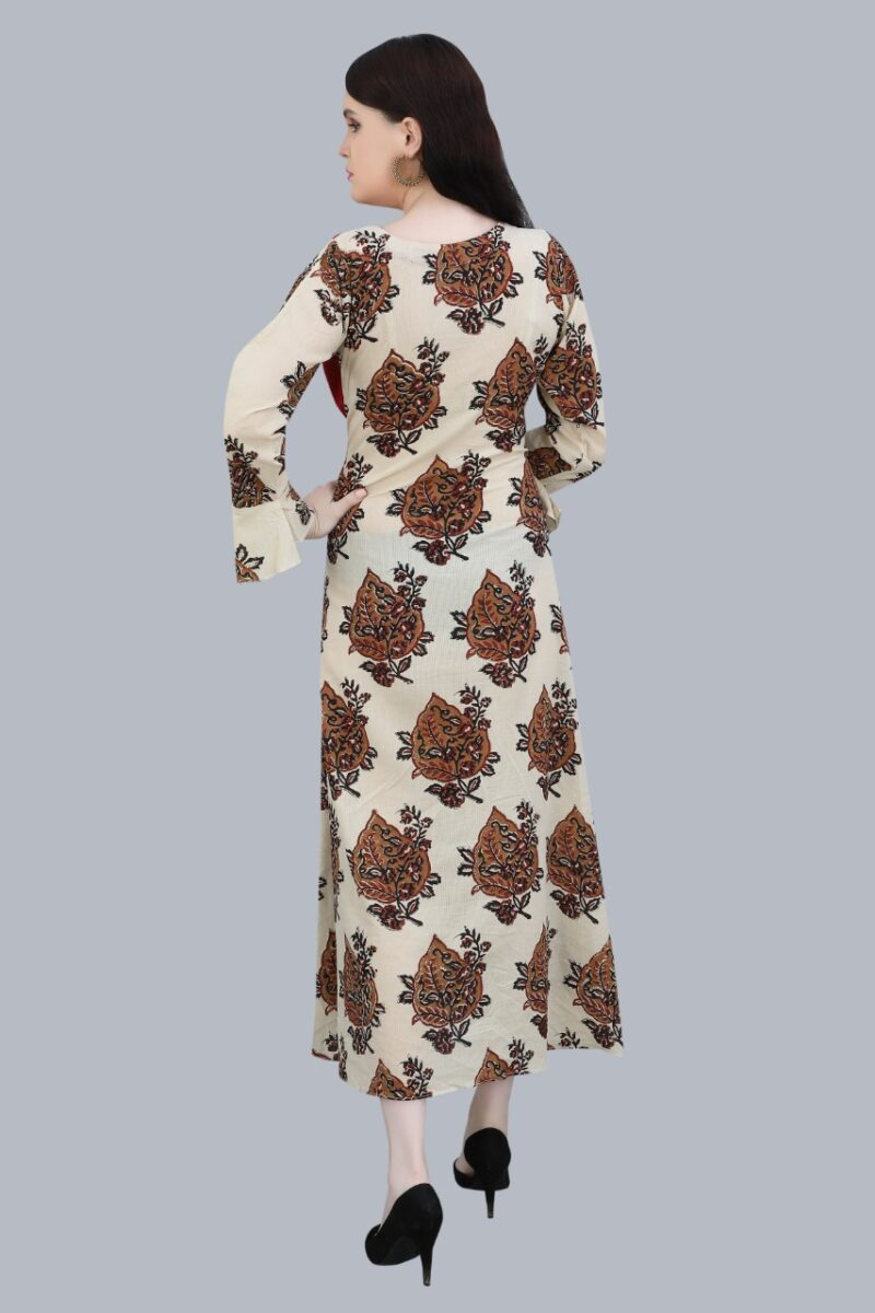 Back Side view of Maroon and Black Cotton Kurti