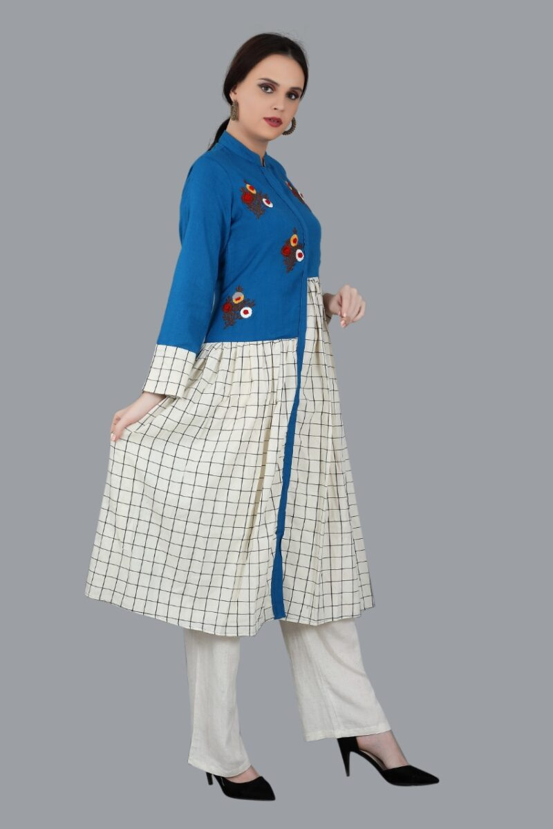 Right Side view of Blue and White kurti
